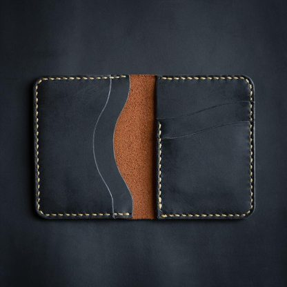 Carteira Omnes Bifold Continental Black Whisky e All Black