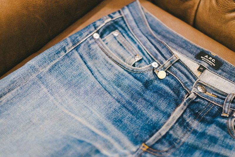 jeans desbotado apc raw denim fade 5