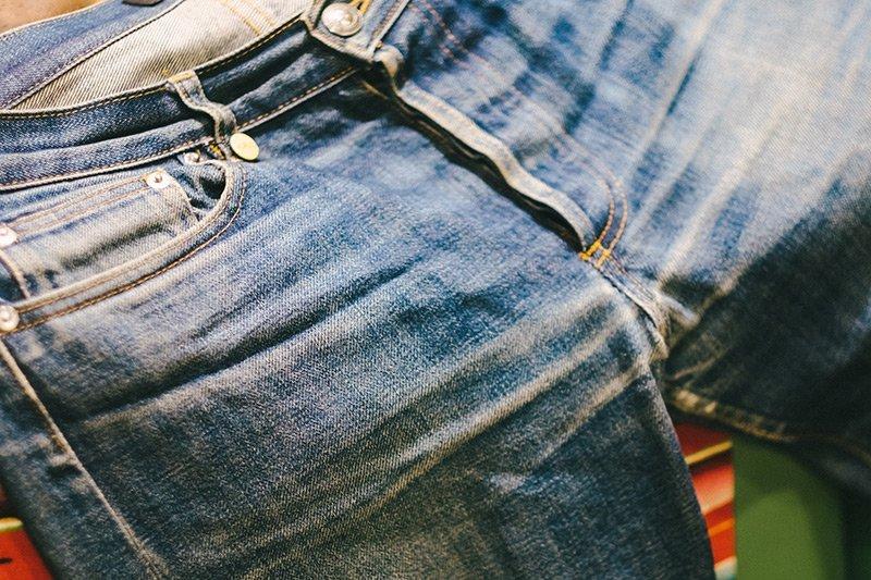 jeans desbotado apc raw denim fade 9