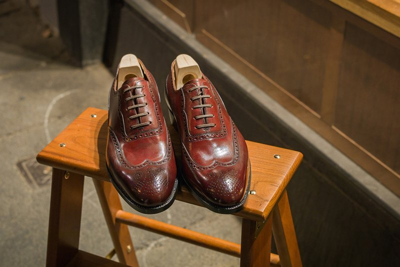 sapato oxford brogue