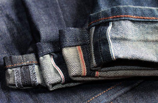 calça jeans selvedge em comparação com calça normal