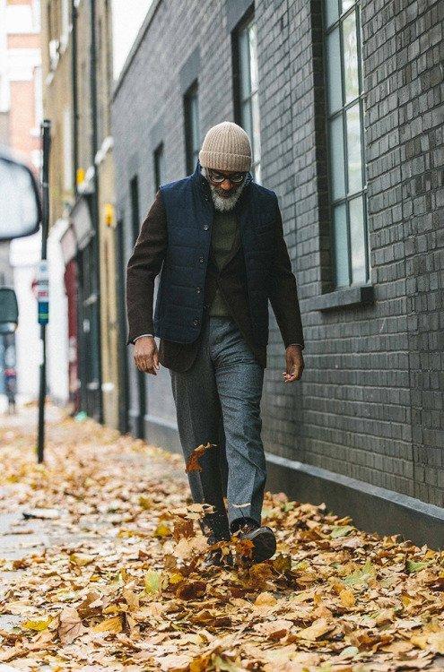 Calça social cinza com jaqueta casual