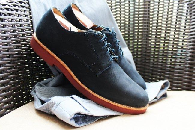 Sapato de Couro Nobuck Azul com Sola Vermelha