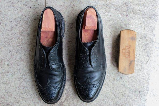 Como limpar um sapato de couro