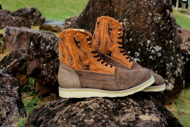 White Mountaineering Western Boots