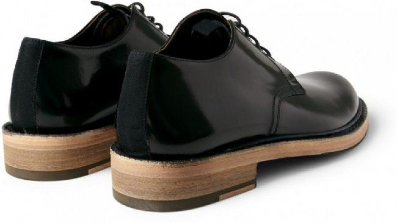 019575eb0ce17 Sapato com sola de madeira é bom  Entenda porque NÃO!
