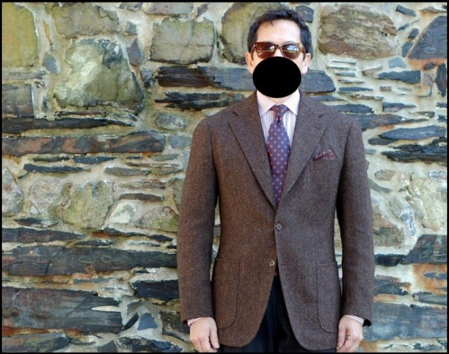 blazer de tweed marrom com gravata