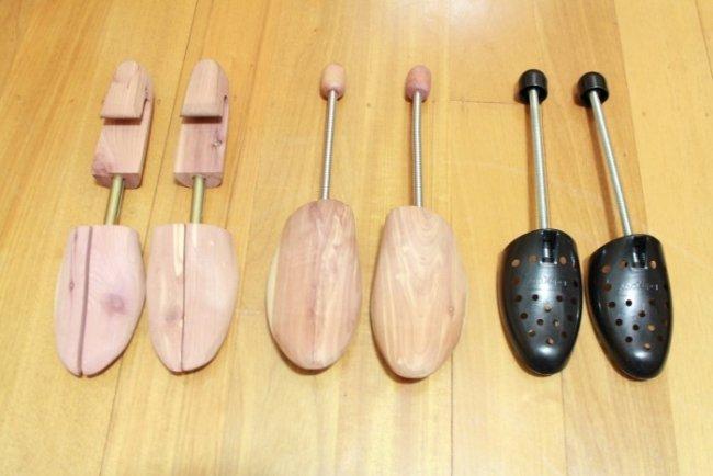 Armações de madeira para conservar sapatos