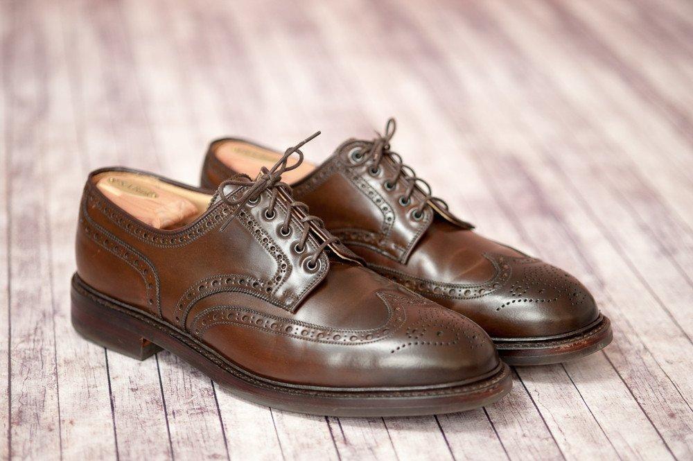 sapatos brogue marrom em couro shell cordovan