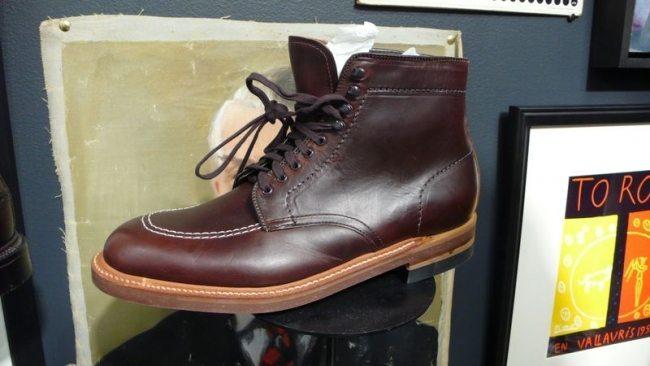 Em 2009 a J Crew começou a vender as botas Alden.