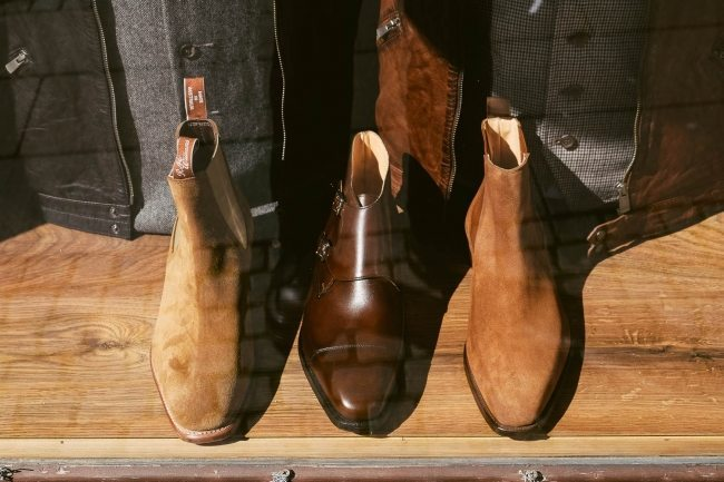 Sapato Double Monkstrap da Crockett & Jones e Bota R.M. Williams