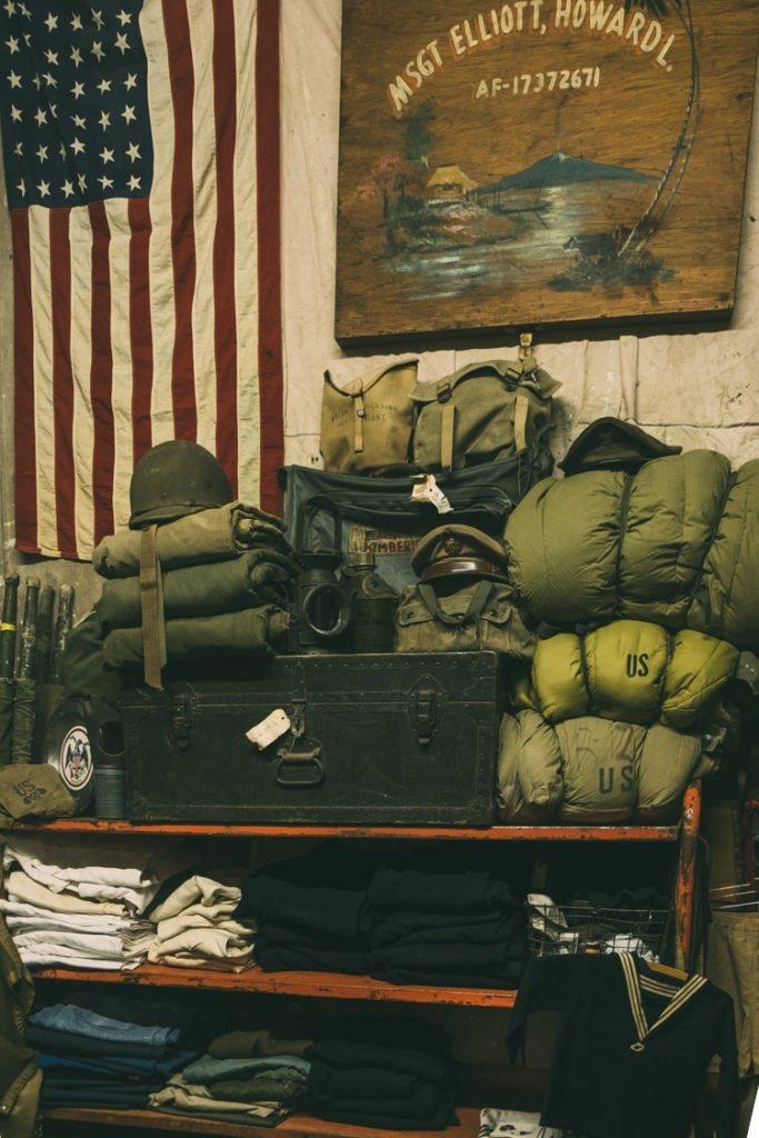 Militarismo Vintage no Santa Fé Vintage Showroom