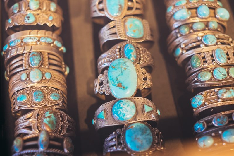 Joias de prata e turquesa Navajo na Shiprock Santa Fe