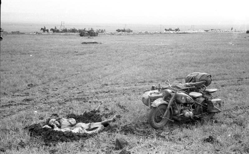 Motocicleta BMW com sidecar na segunda guerra mundial