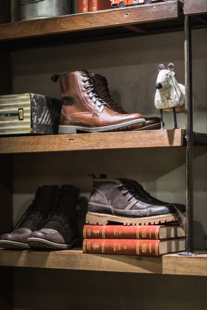 Loja Black Boots