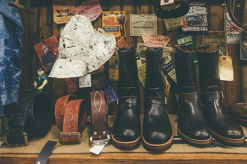 Engineer Boots e Vintage Studded Belts