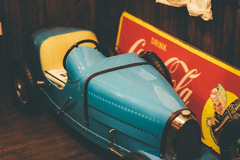 Carro de corrida antigo em Xangai