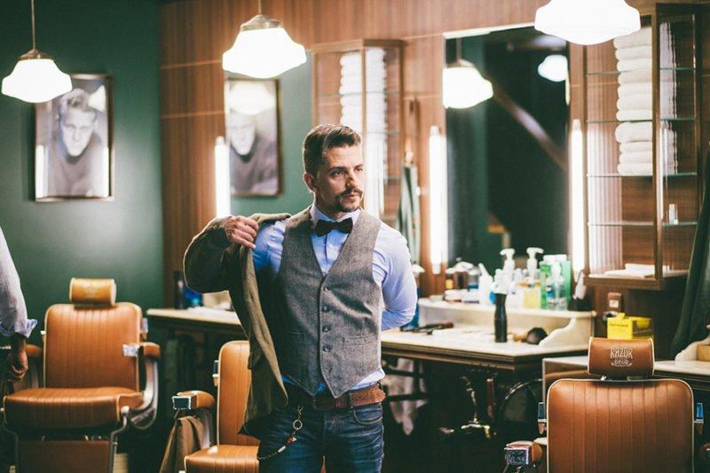 Fred Catizanni Razor Bros - Colete de tweed e gravata borboleta