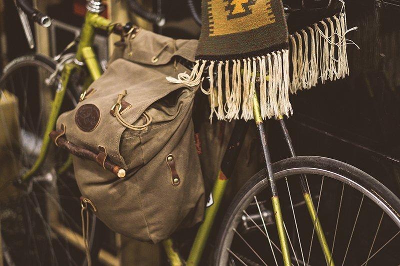 Bolsa de lona encerada para bicicleta na Code7 Moscow