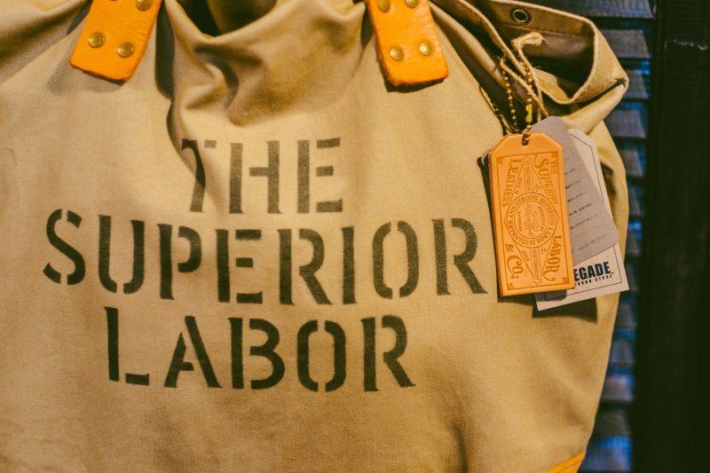 Superior Labor na Renegade Shop
