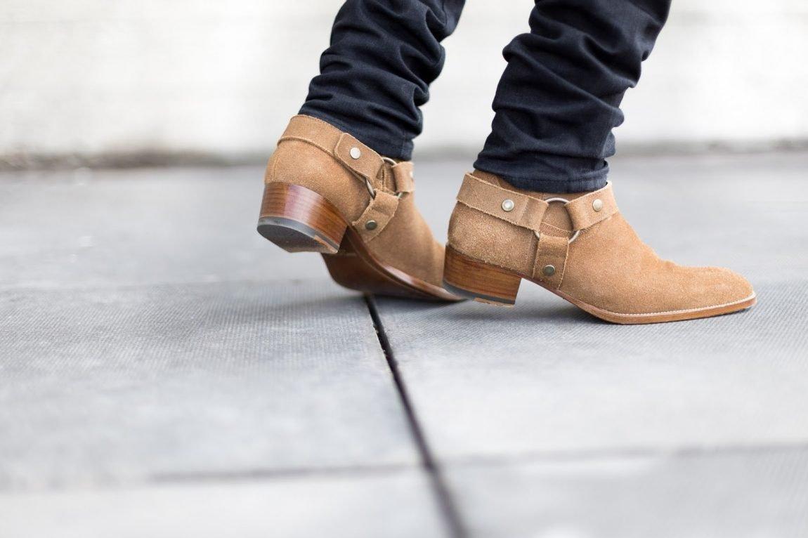 bota masculina com fivela