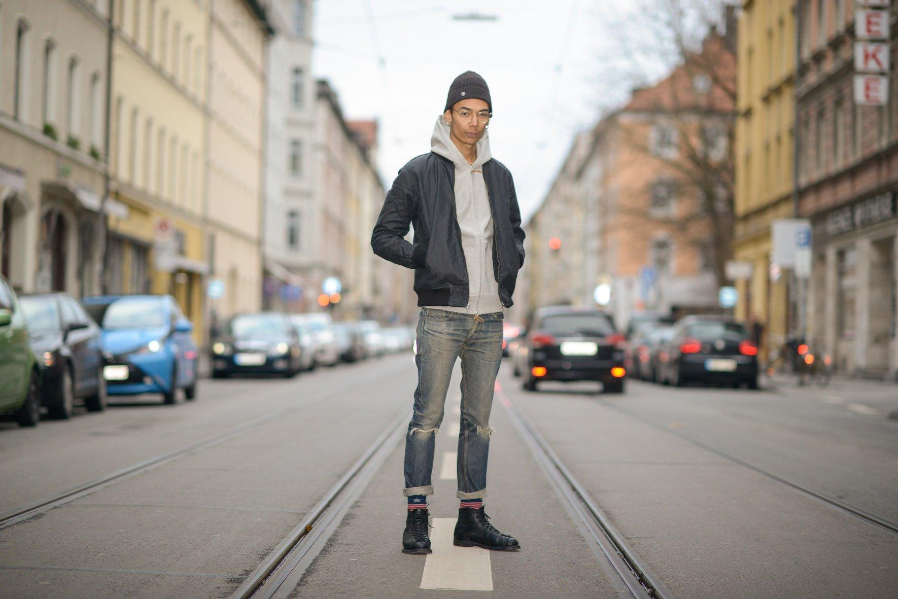 gorro masculino com calça jeans