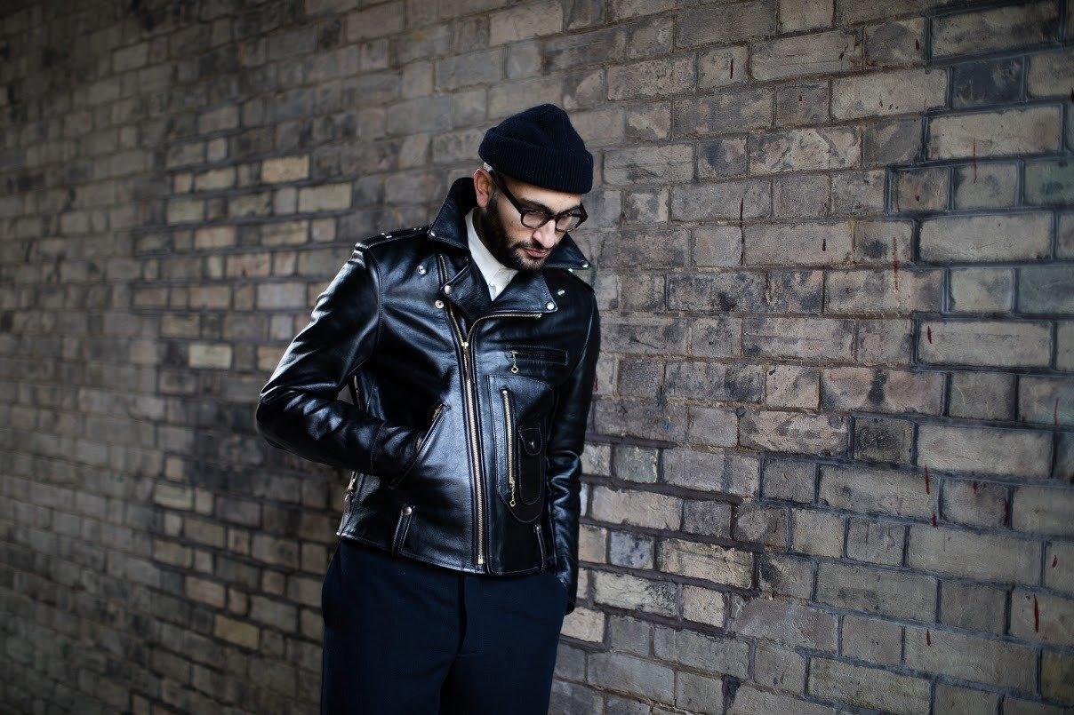gorro masculino preto com jaqueta de couro