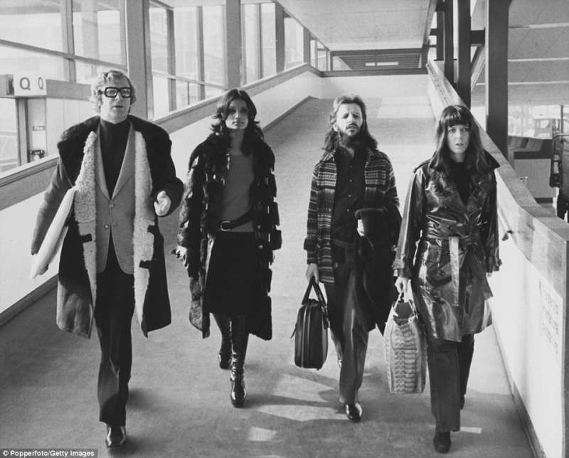 Michael Caine, Shakira Baksh, Ringo Starr e Maureen Starkey