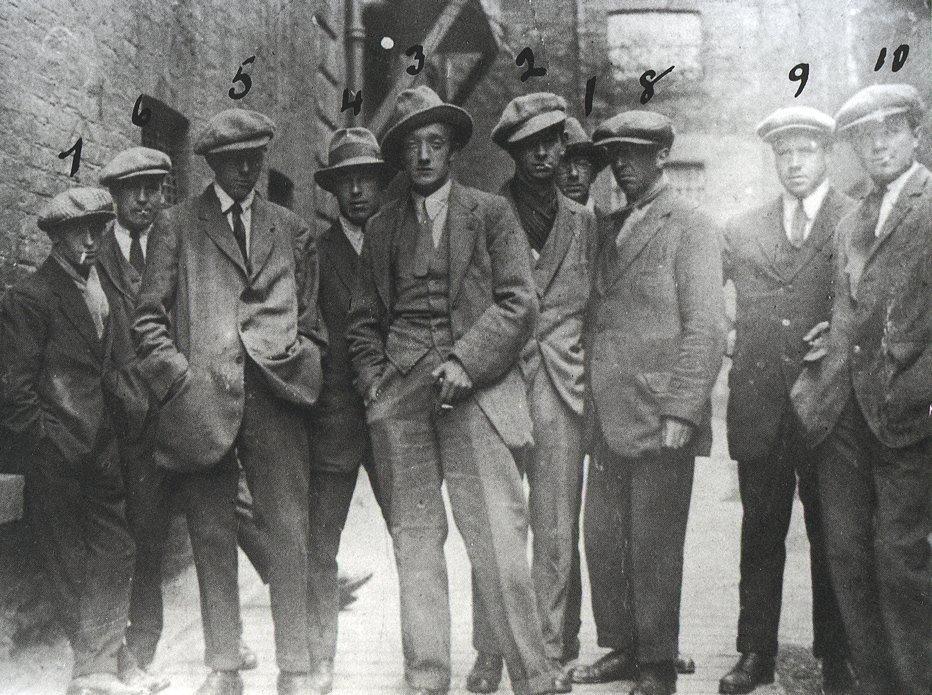 """A """"Gangue do Cairo"""", um grupo de agentes da inteligência britânica. Foto tirada em Dublin, 1920"""
