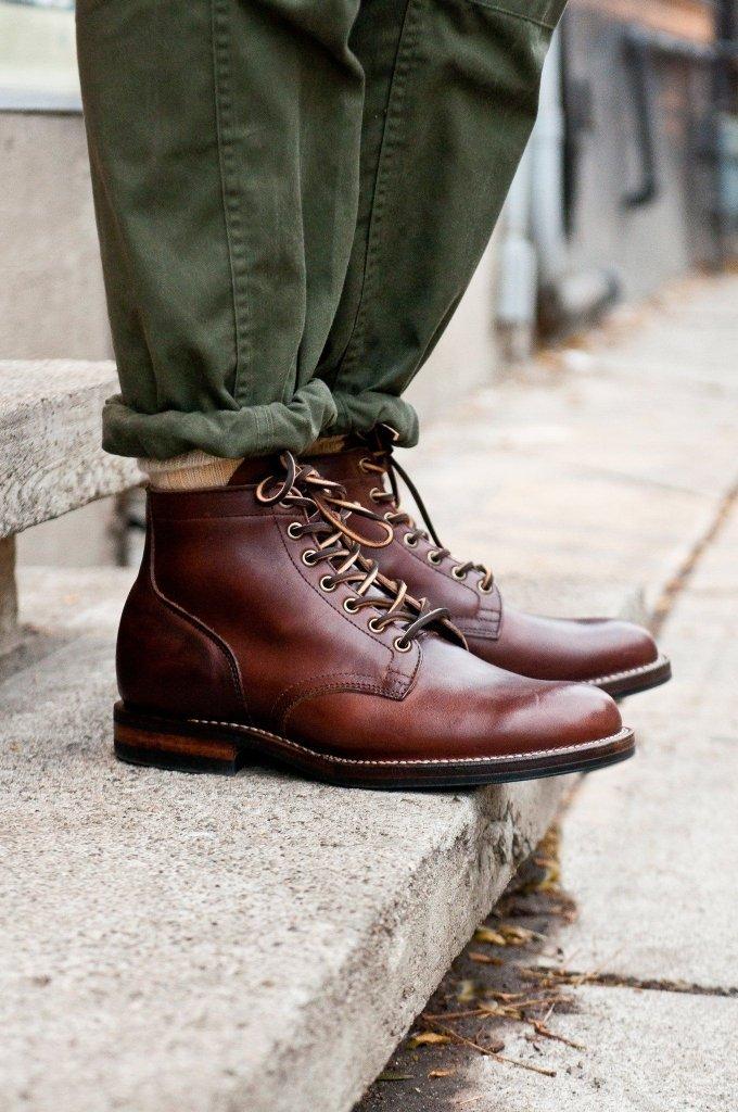 Bota com calça militar