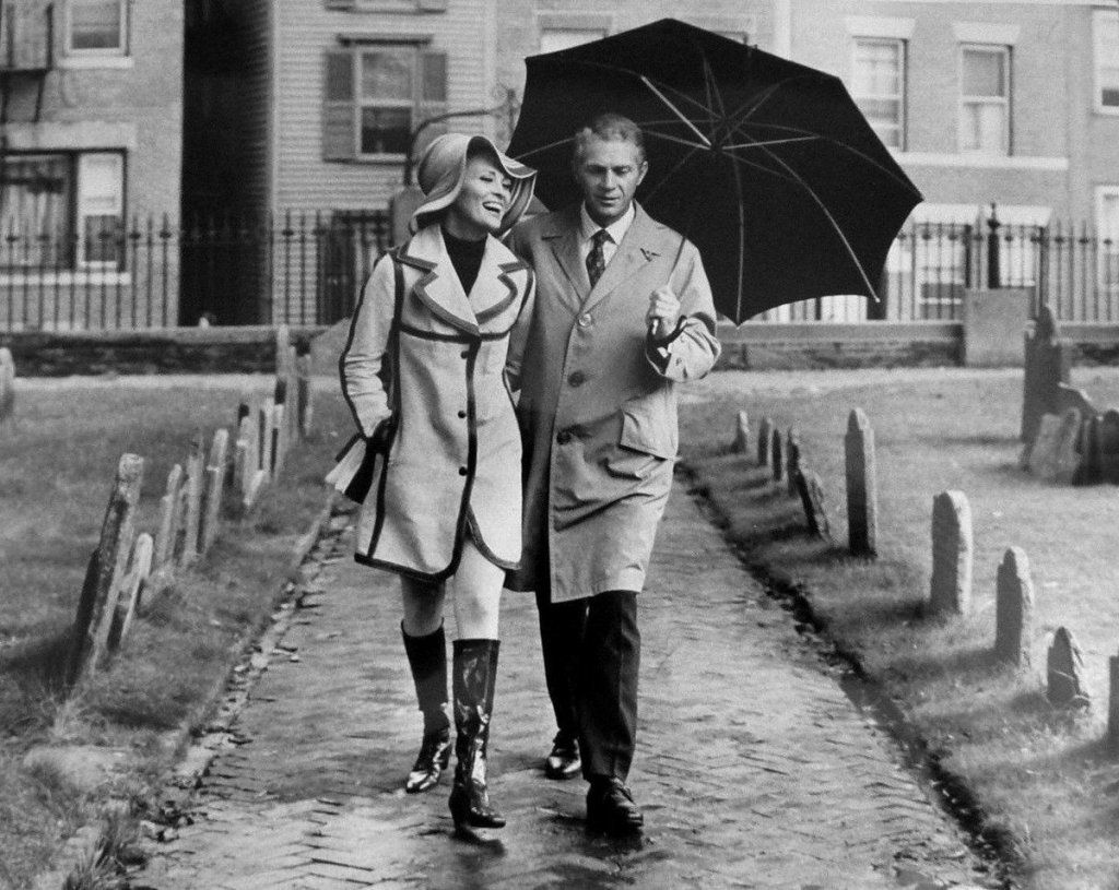 Steve McQueen e Faye Dunaway em Crow, O Magnifico