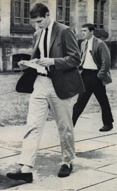 Calça chino em universidade americana nos anos 60