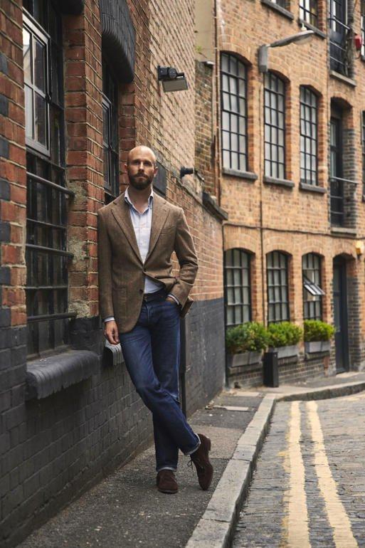Blazer de tweed com calça jeans