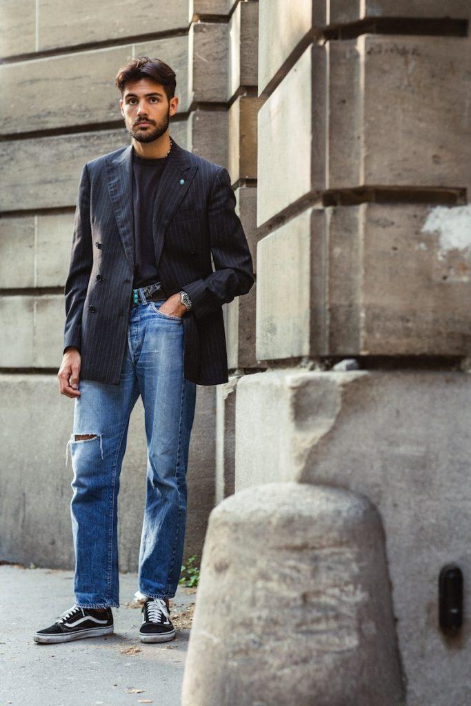 Como usar blazer azul com calça jeans