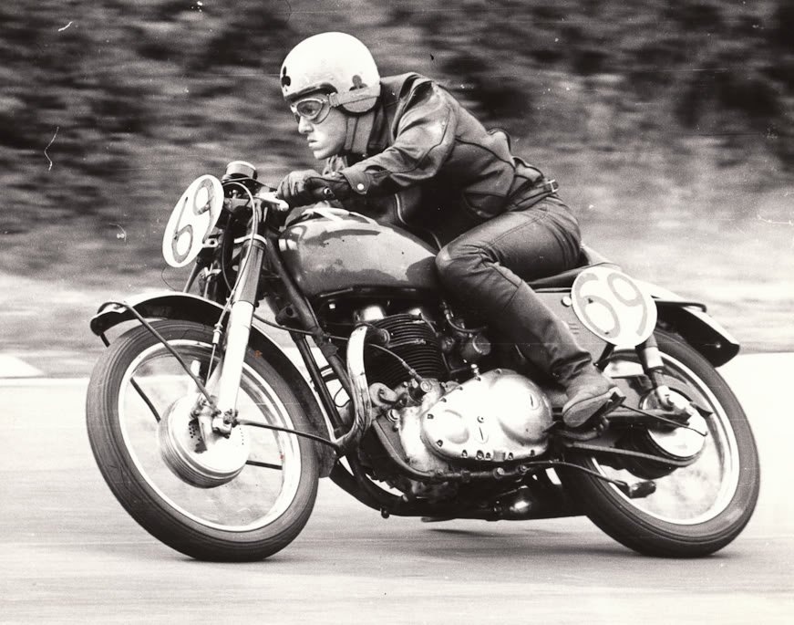 Moto Cafe Racer dos anos 1960