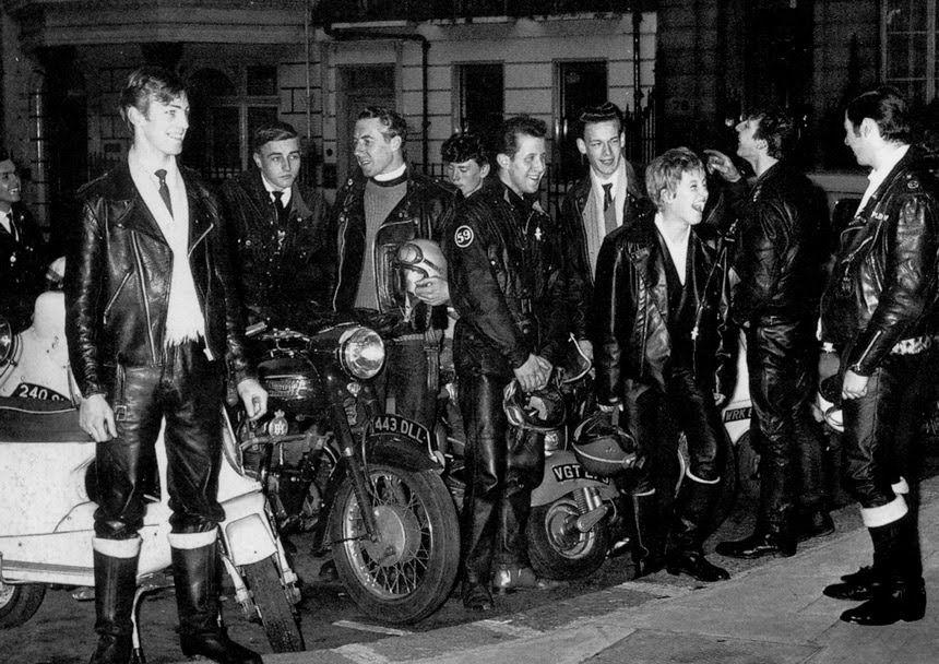 Rockers Ton-Up em Londres com suas Cafe Races nos anos 60